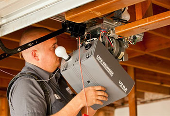 Chamberlain Installation | Garage Door Repair Springfield, FL